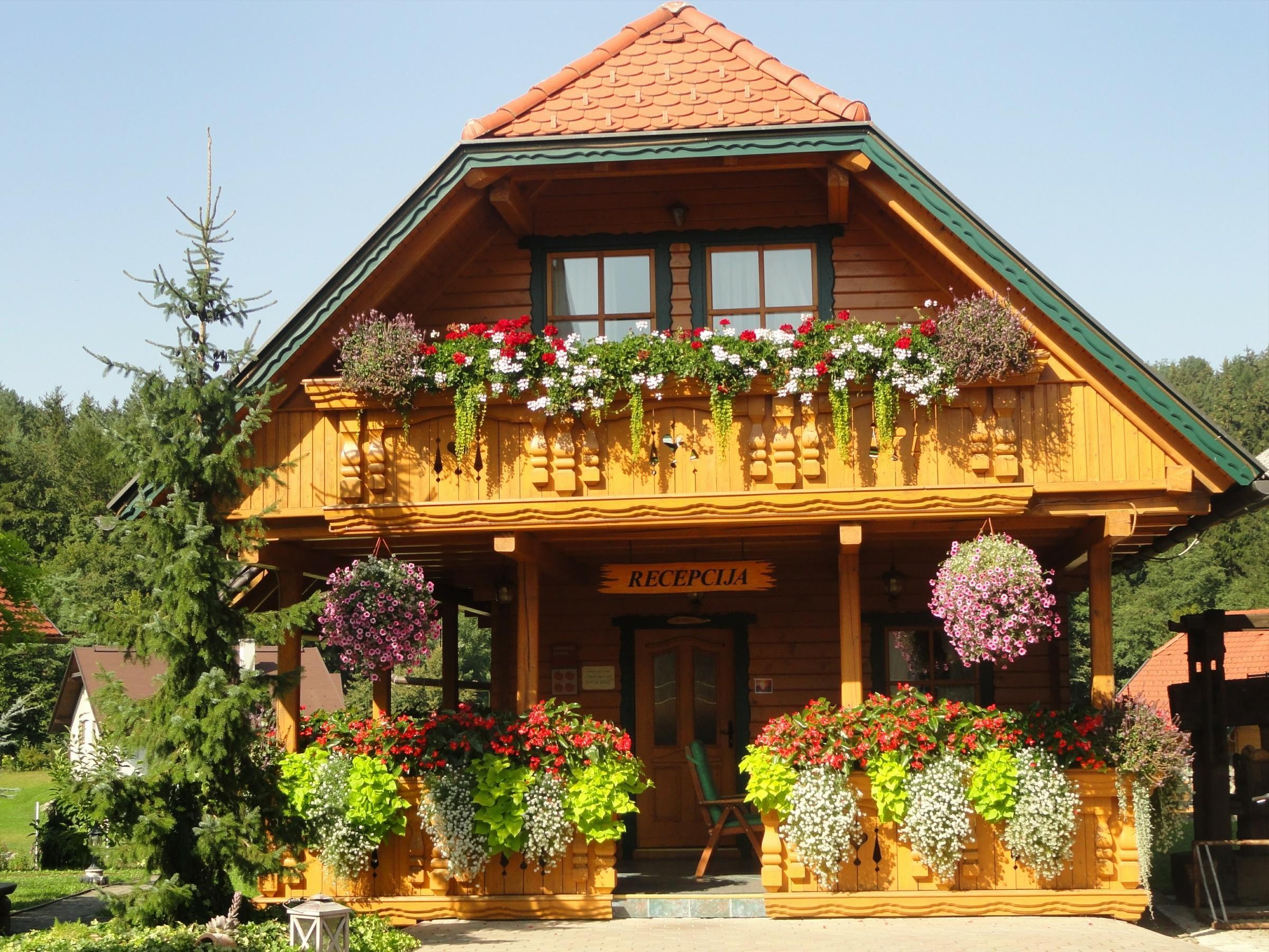 FormatFactoryA.Koroτec-recepcija, zeleni apartma, foto arhiv Koroτec, Savinjska dolina
