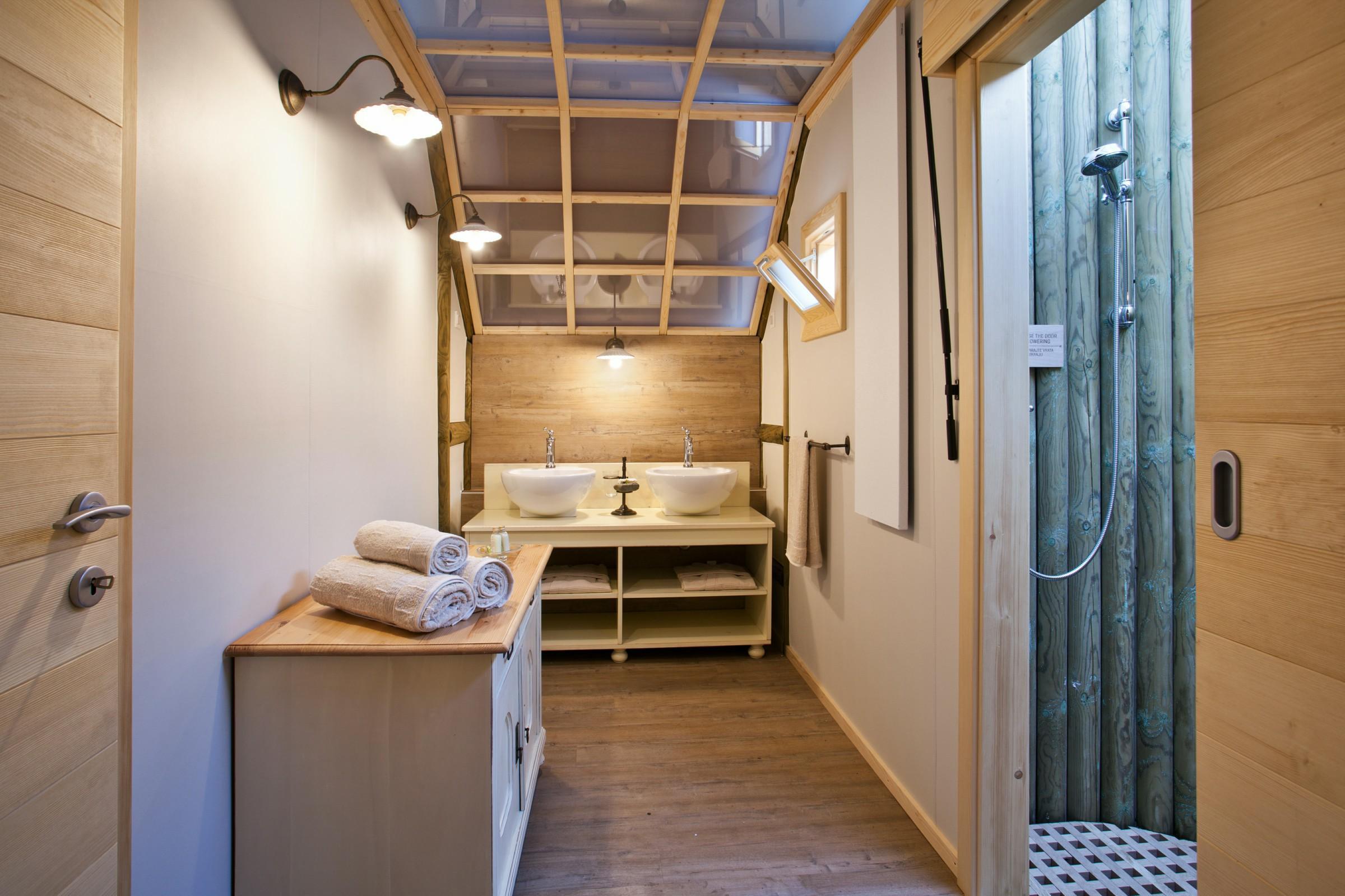 FormatFactoryCharming Herbal- Nastanitev kopalnica, foto Jost Gantar, Savinjska dolina