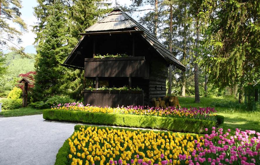 The granary is an important part of the Upper Savinja ethnological heritage (photo: Mozirski gaj).
