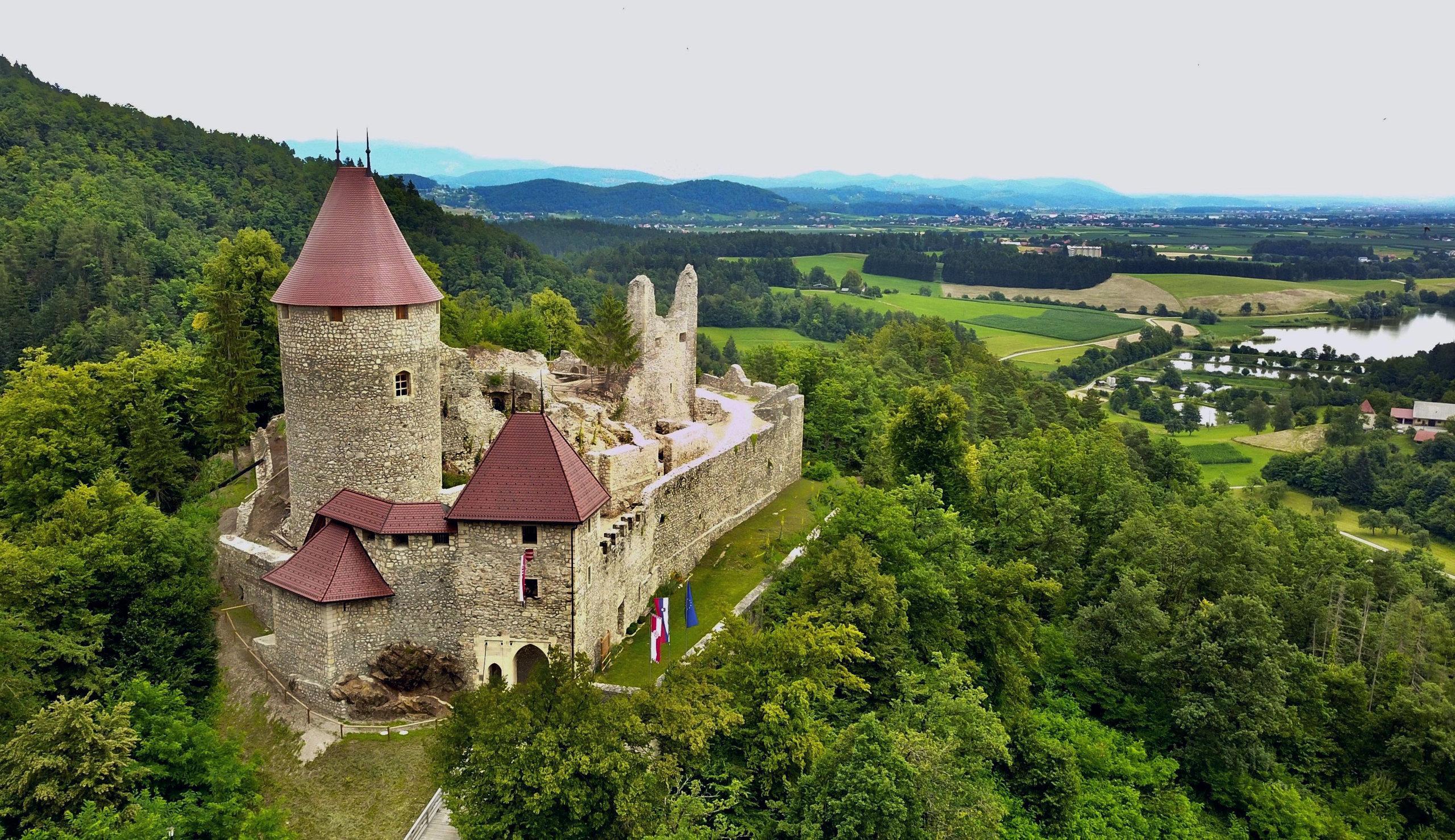 Grad Žovnek v Braslovčah, Savinjska, Slovenia.
